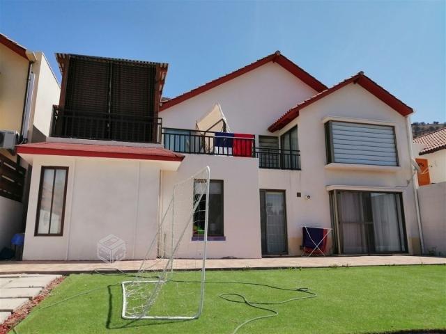 Casa Lomas de Lo Aguirre